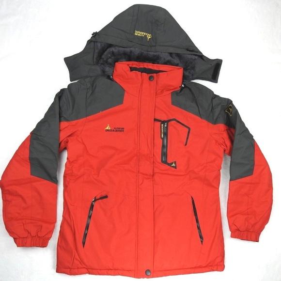 9ff2373c4106 Unco   Boror Women s Winter Hiking Jacket